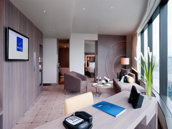 מלון נובוטל פלטינום בנגקוק Suite living room