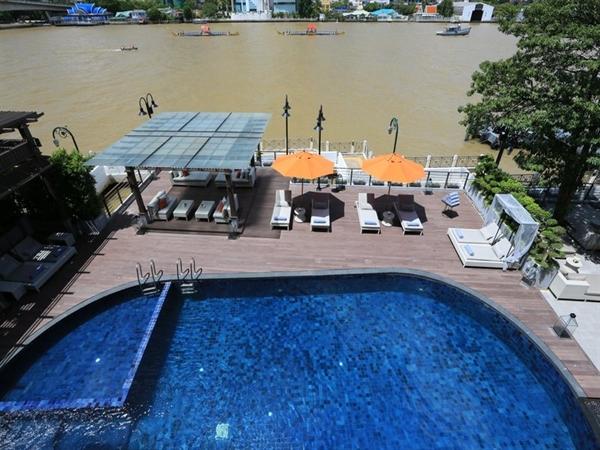 מלון ריבה סוריה, בנגקוק